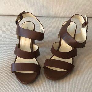 brown anne klein iflex strappy heeled sandals